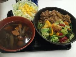 ★吉野家★ 昭和区@いりなか駅 牛丼ランチは味付けしっかりで子供が好きな味でした