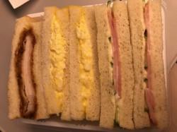 ★新幹線でのサンドイッチ★