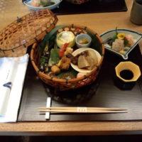 東区徳川町の徳川美術館の隣にある和食屋さん「宝善亭」で歴史の勉強をしつつ子連れランチを堪能しました