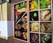 地雷也のお弁当、清澄のカロリーに驚愕したが名古屋駅のJR高島屋で購入可能な便利さが魅力で味も美味しいのでおすすめ