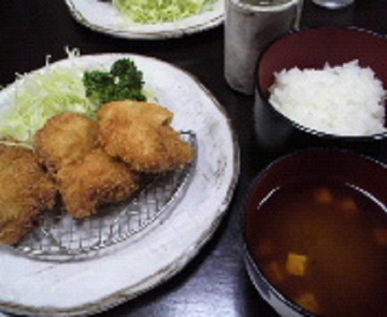 上前津駅から徒歩7分、名古屋のとんかつ名店すゞ家 赤門店でヒレカツ定食を食べながらママ会を楽しむ