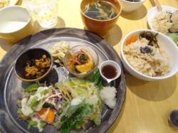 ★ププキッチン★ 西区 自然食カフェ