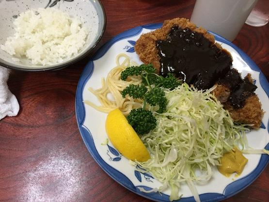 名古屋市昭和区桜山駅から徒歩7分、名代天ぷらみそかつの三春屋で美味しすぎてロース味噌かつ定食など食べ過ぎた件