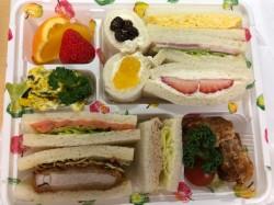 名古屋駅のJR名古屋タカシマヤ店にあるサンドイッチハウスメルヘンはフルーツサンドが絶品です。
