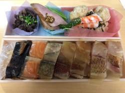 中区久屋大通にあるすし人 酒伊は10歳以下の子供は不可なので、お弁当にて子供たちとお寿司を楽しみました。