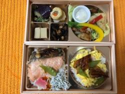 一宮市にある藁焼きファイヤー!! で有名な 神楽饗 の お弁当 は鮭の脂がたまりません