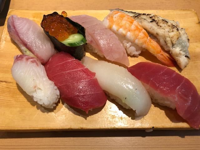 名古屋市瑞穂区の まぐろや 石亭 で980円のお得な寿司ランチ
